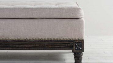 taburete tapizado con lino