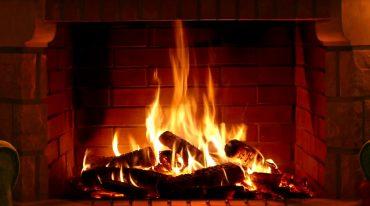 chimenea caliente en hogar